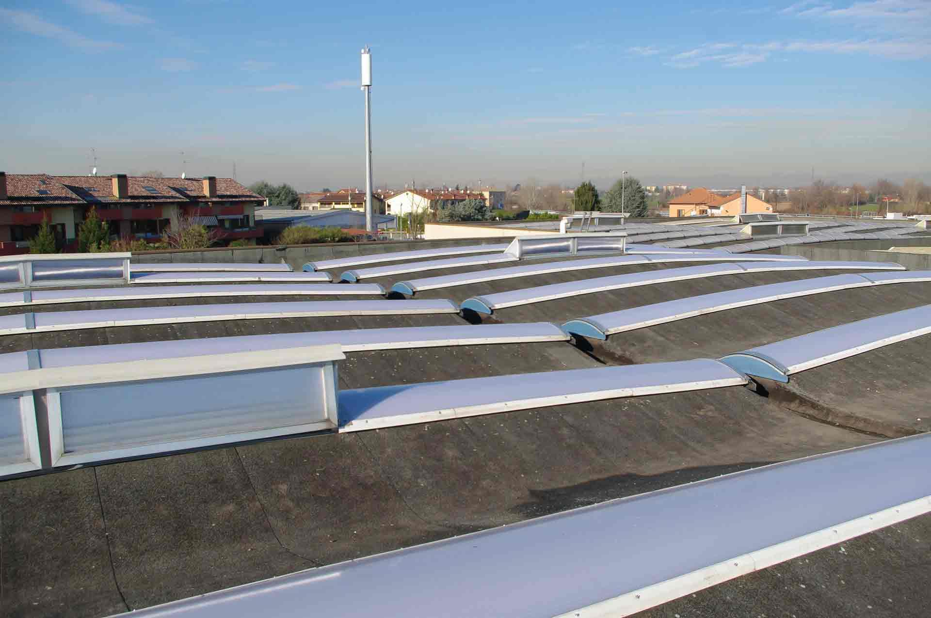 Prezzi lucernari in policarbonato bergamo deltasystem srl for Prezzi lucernari elettrici